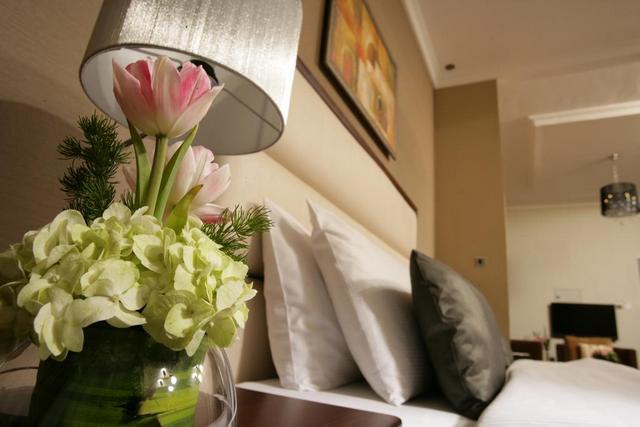 من فنادق عجمان الرخيصة هو فندق رمادا عجمان