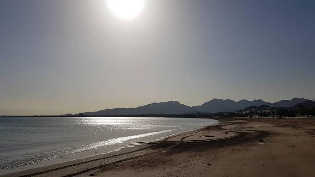 شاطئ صمبريد من افضل شواطئ الفجيرة