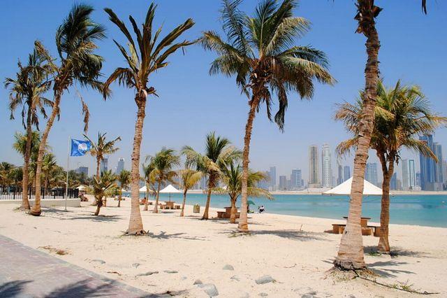 حدائق شواطئ الشارقة