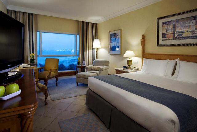 غرف فندق شيراتون دبي جي بي ار