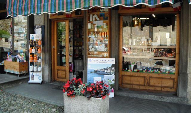 مراكز للتسوق في كومو الايطالية