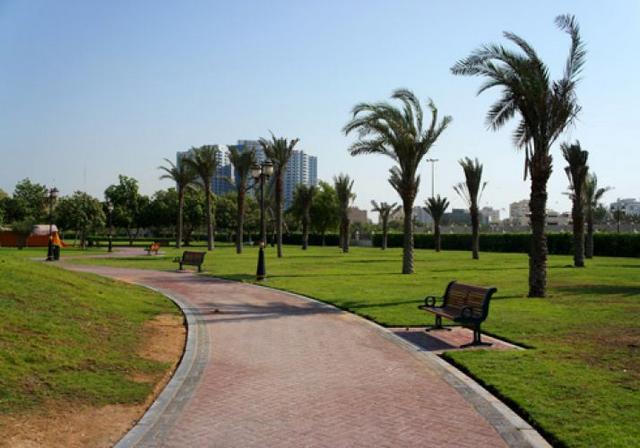 حديقة الراشدية واحدة من حدائق عجمان العائلية الممتازة