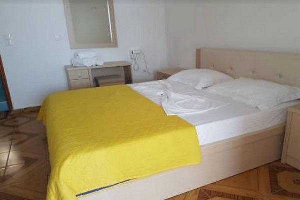 فنادق في دولة البانيا