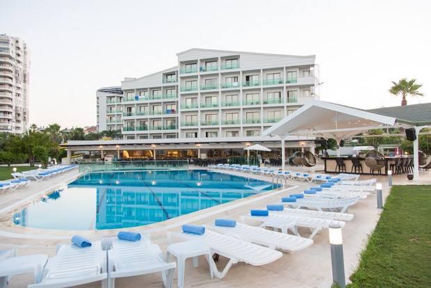 دليل شامل لمن يبحث عن فنادق اربع نجوم في انطاليا