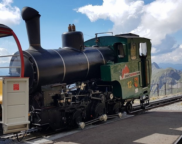 انترلاكن قطار الطبيعة