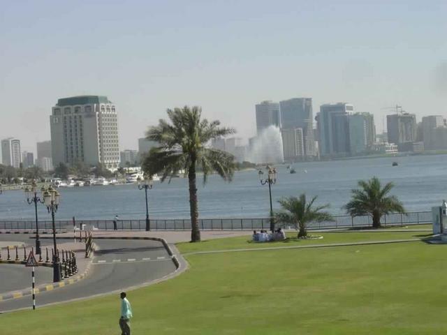 متنزهات كورنيش ام القيوين