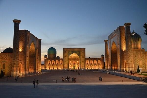 اوزباكستان اين تقع