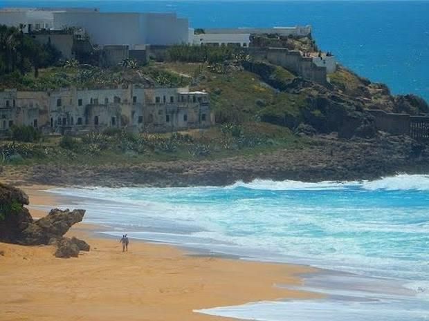 شاطئ اشقار في طنجة