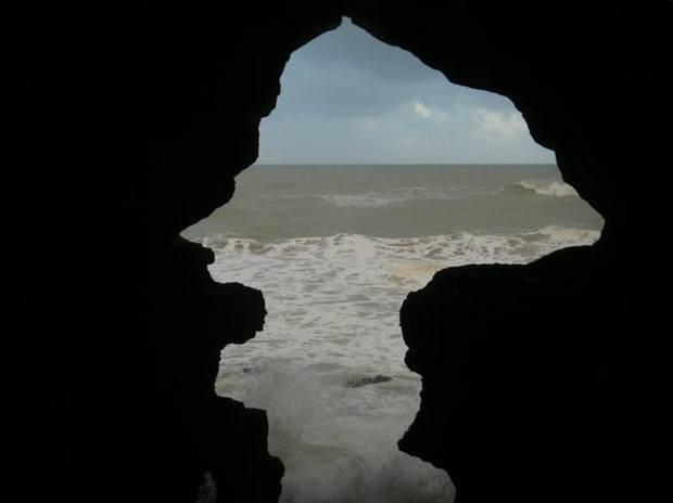 شواطئ طنجة في المغرب