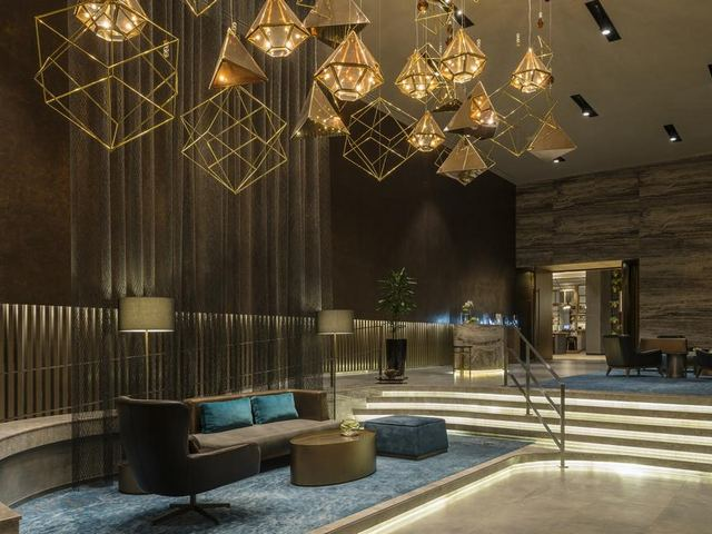لوبي فندق شيراتون دبي الامارات مول