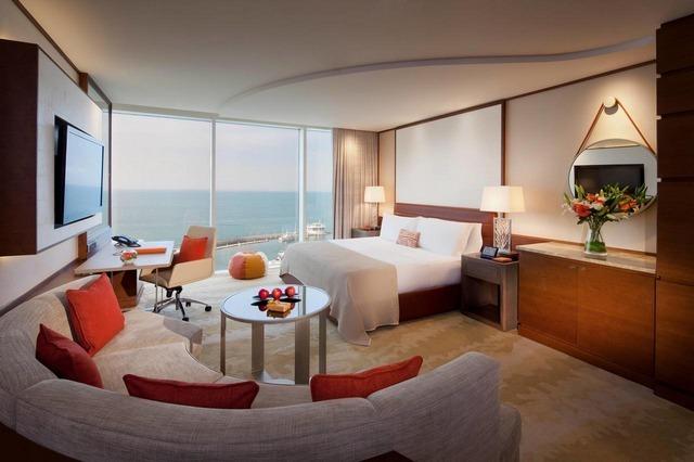 فنادق دبي على البحر