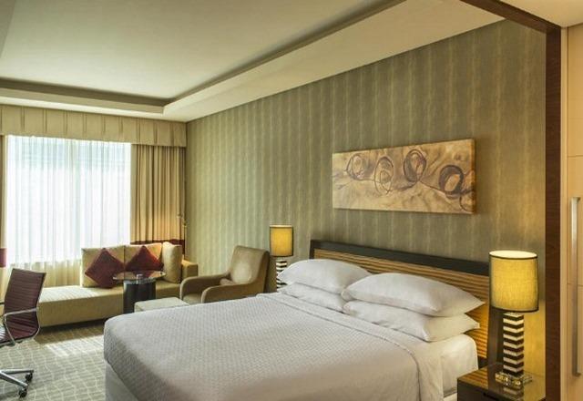 فندق فور بوينتس شيراتون بر مدينة دبي