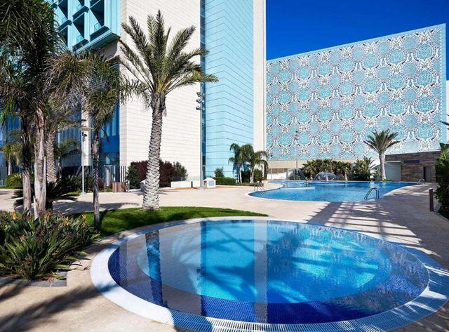 معلومات عن فندق ميريديان وهران