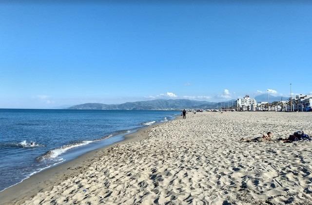 شاطئ مرتيل تطوان المغرب