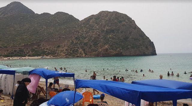 شاطئ مداغ وهران