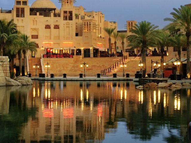 يضم فندق جميرا دبي دار المصيف العديد من المرافق الترفيهية