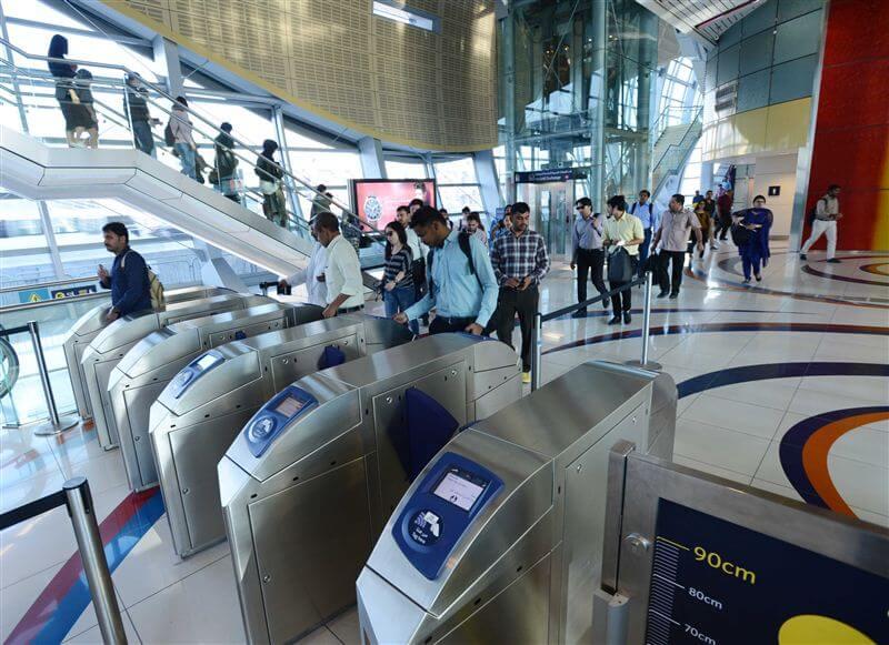 مترو دبي البوابات