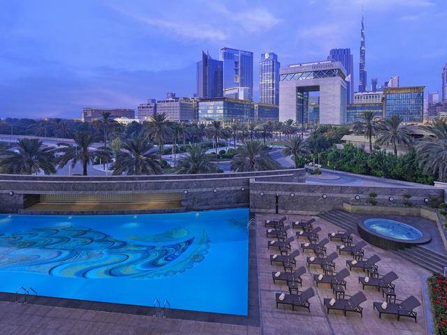 ابراج الامارات فندق