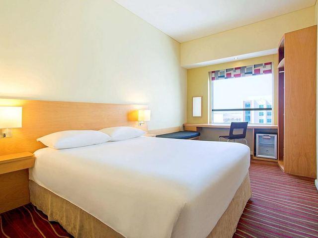 فندق ايبيس دبي مول الامارات