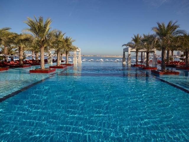 فندق سرايا زعبيل يحتوي على مسبح خارجي راقي