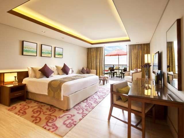 فندق بالم تري كورت دبي جبل علي