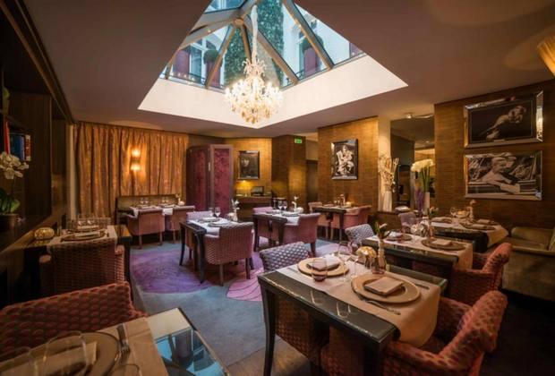 تجربة طعام استثنائية يُمكنك تجربتها في فندق بلازا الشانزليزيه
