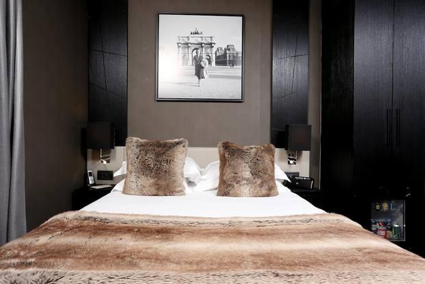 فندق شانزليزيه باريس فرنسا
