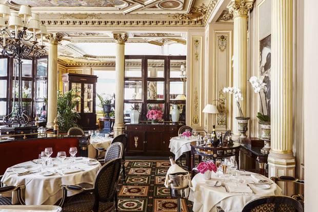 يُقدّم إنتركونتيننتال باريس لو غران تجربة طعام مُميّزة