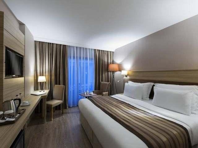 اقرب فنادق في نيشان تاشي