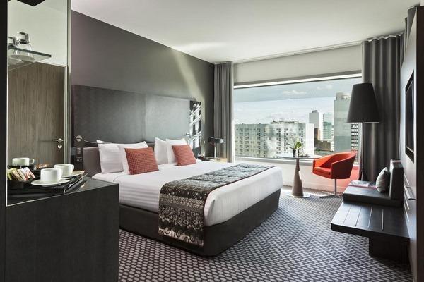 حجز فنادق باريس لاديفانس