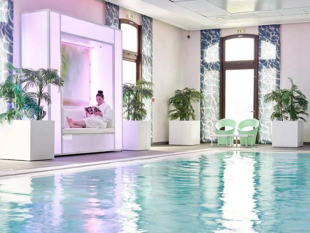 مُتعة الرفاهية والاستجمام في فندق راديسون بلو ديزني باريس