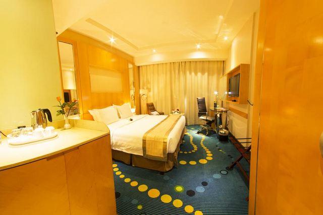 فندق الضباب ورويك في الرياض