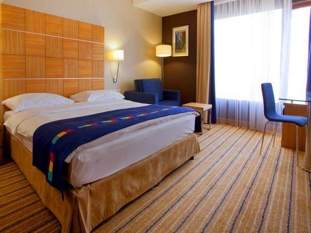 ديكورات رائعة ومريحة توفرها فنادق في الغبرة مسقط عمان