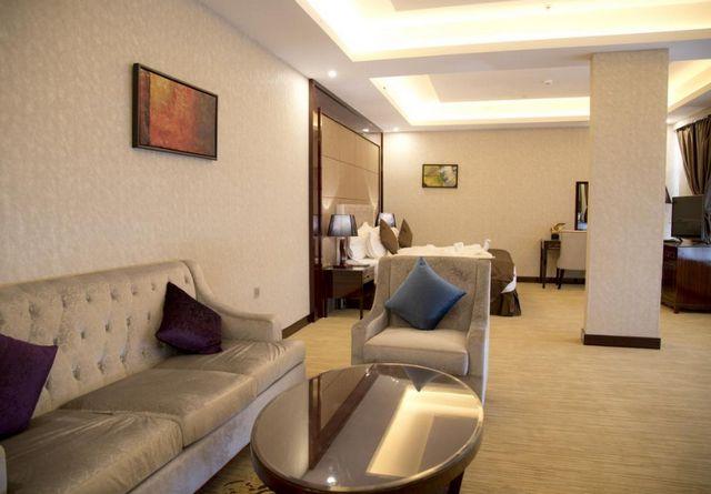 فندق هوليداي الخليج الرياض أحد أفضل فنادق حي الفلاح بالرياض