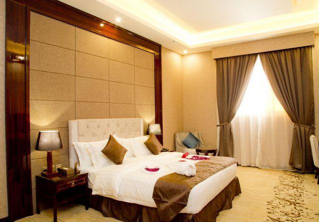 فندق هوليداي الخليج الرياض