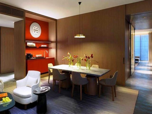 فنادق بالكويت فيها مسبح خاص