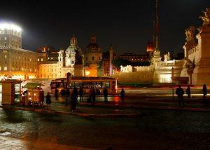 ساحة فينيسيا في روما