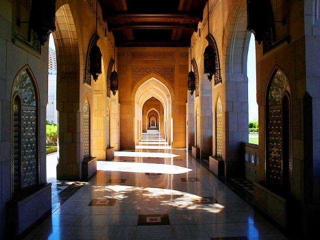 مسجد السلطان قابوس الكبير في مسقط