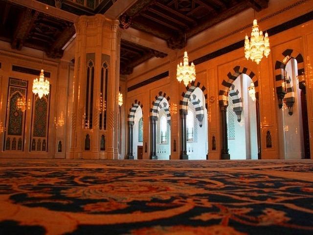 مسجد السلطان قابوس في سلطنة عمان مسقط