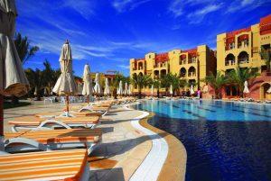 تحتل فروع فندق تالا بيه العقبة مواقع مميزة في المدينة