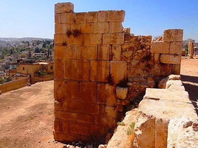 معبد هرقل جبل القلعة عمان