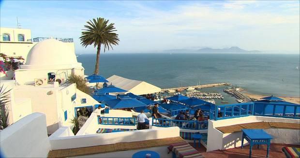 شواطئ داخل تونس العاصمة