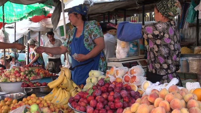 سوق الخضار والفاكهة بالبريمي