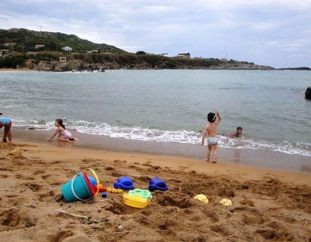 شواطئ العوانة