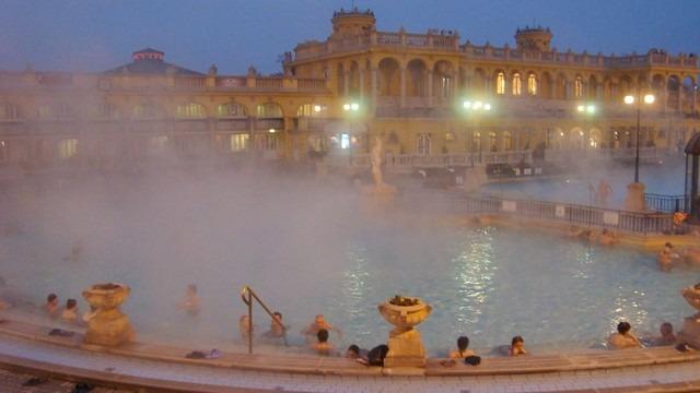 حمامات بودابست