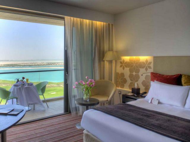 فندق كراون بلازا ياس من اجمل فنادق في جزيرة ياس ابوظبي