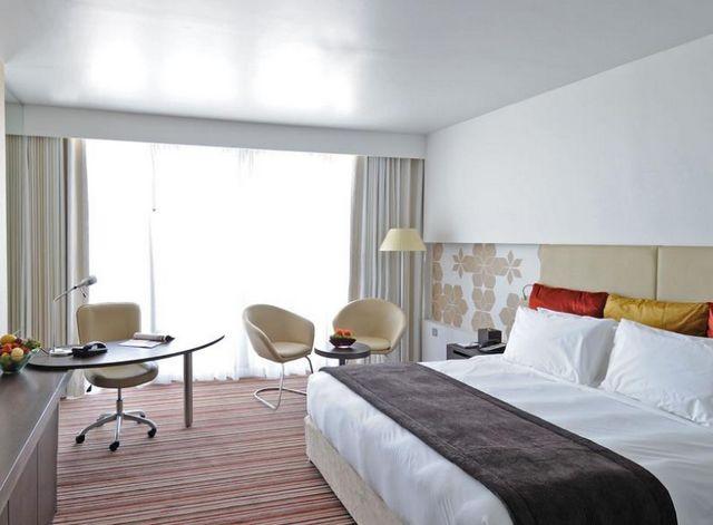 فندق كراون بلازا ابوظبي