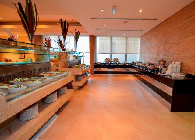 فندق هوليدي ان ابوظبي داون تاون في الامارات