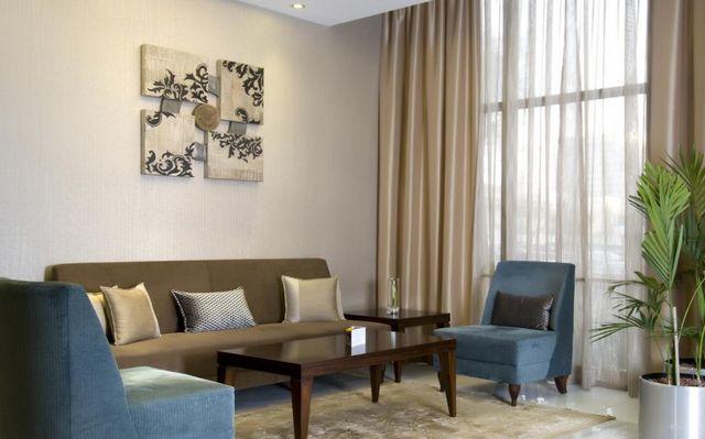 فندق هوليدي ان ابوظبي داون تاون الامارات