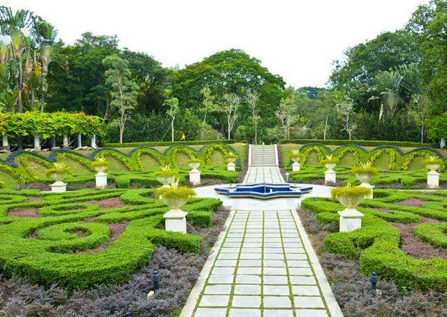 اماكن السياحة في كوالالمبور حديقة بيردانا النباتية